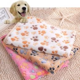 Nowy śliczne łóżko dla psa maty miękkie flanelowe polar Paw stóp drukuj ciepłe kocyk dla zwierząt domowych łóżka do spania pokry