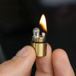 Mini kompaktowy zapalniczka nafta kapsułki benzyna zapalniczka brelok do kluczy benzyna zapalniczki ściernica zapalniczki na zew