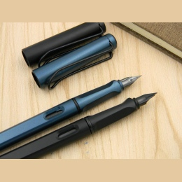 Standardowe klasyczne biuro czarny matowy zielony pistolet czarny stalówka prezent wieczne pióro