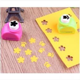 1 sztuk/partia Mini DIY dziurkacz ręczny zszywki do scrapbookingu cios ręcznie cięte karty dziurkacz do zszywacz prezent karty d