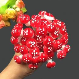 10 sztuk/zestaw Mini grzyby miniatury sztuczny ogród bajki mech rzemiosło żywicy ozdoby stosy rzemiosła dla domu 2 cm