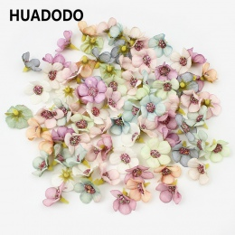 HUADODO 50 sztuk 2 cm Multicolor Daisy kwiat głowice Mini jedwab sztuczne kwiaty na wieniec Scrapbooking Home dekoracje ślubne