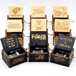 Sprzedaż hurtowa antyczne rzeźbione drewniane Star Wars gra o tron pudełko muzyczne temat Caixa De Musica, prezent urodzinowy ju